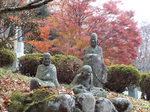 五百羅漢像と楓