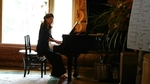 三上夏子、ピアノ演奏
