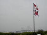 コクリコ坂の旗とベイブリッジ