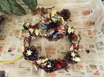 NちゃんYちゃんが作ったクリスマスリースと松ぼっくりの飾り