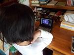 電子辞書英語版動画を観るYちゃん