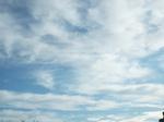 高層雲棚引く