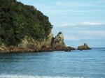 盥岬から続く岩礁帯