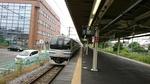横須賀線衣笠駅ホームの横須賀線車両