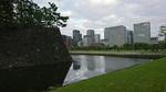 桜田門内部から観た皇居と二重橋濠に丸の内