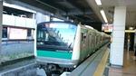 相鉄二俣川に入る埼京線車両