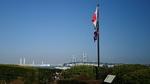 コクリコ坂国際信号旗とベイブリッジ
