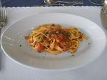 フェットゥチーネ、ツナとケッパのトマトソース