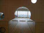 横須賀美術館玄関ホールから観た風景