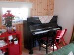 リビングに搬入されたピアノ